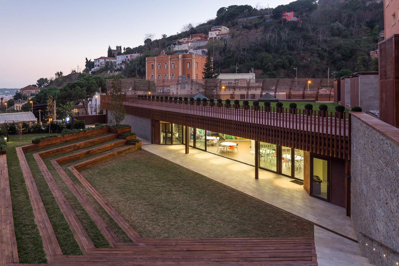 metalocus_colegio_montserrat_barcelona_03_1280
