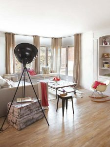 un-salon-con-paredes-acristaladas_galeria_portrait